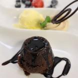 Schokoladige Gaumenfreuden von Feine Küche Kulterer: Mohr im Hemd mit Vanillesorbet