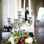 Stimmungsvolle Dekorationen bei Hochzeiten im Schloss Maria Loretto - Die Onyx Bar