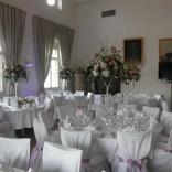 Der große Saal im Schloss Maria Loretto - feierlich dekoriert für Ihren Anlass